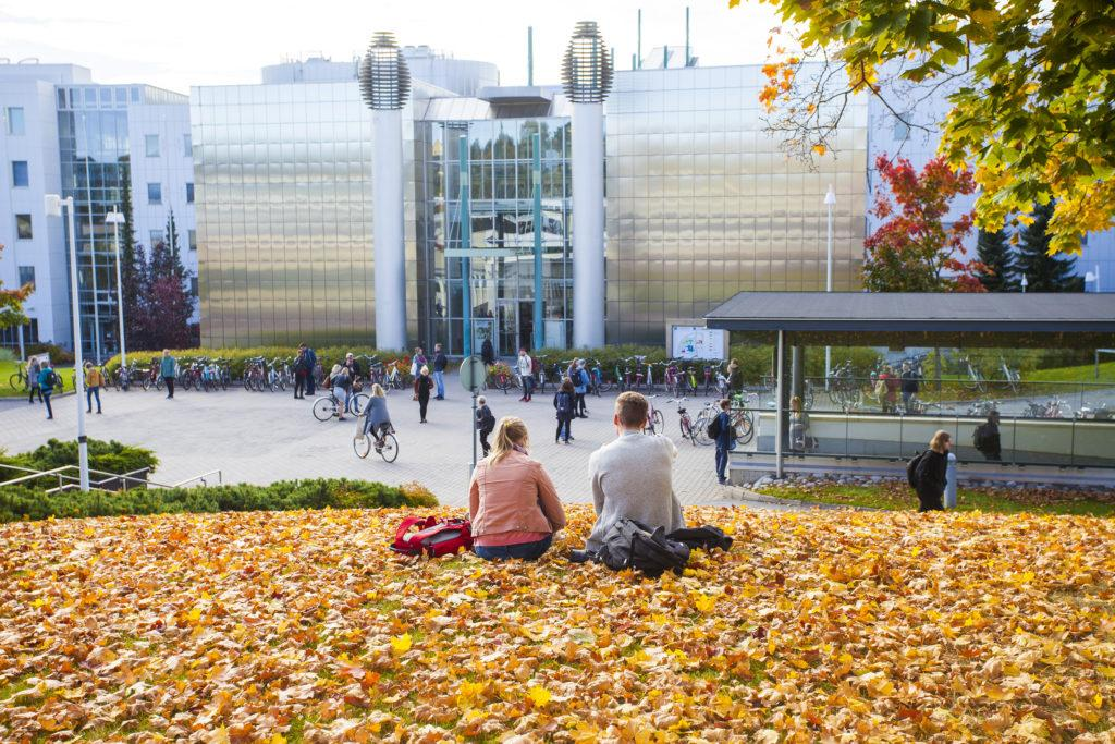 Tampere University Student Ambassadors - Central campus in the Autumn with yellow leaves